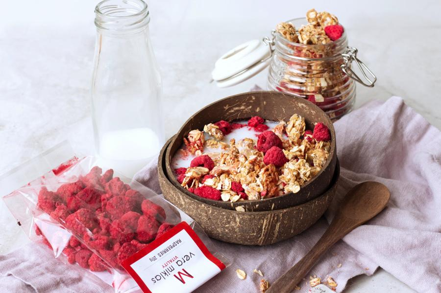 granola with freeze dried raspberries